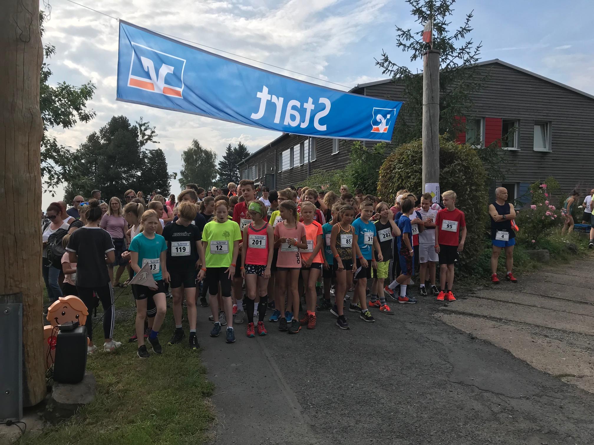 Schnelle Füße auf allen Strecken des 12. Hermann-Pistor-Laufes 2019